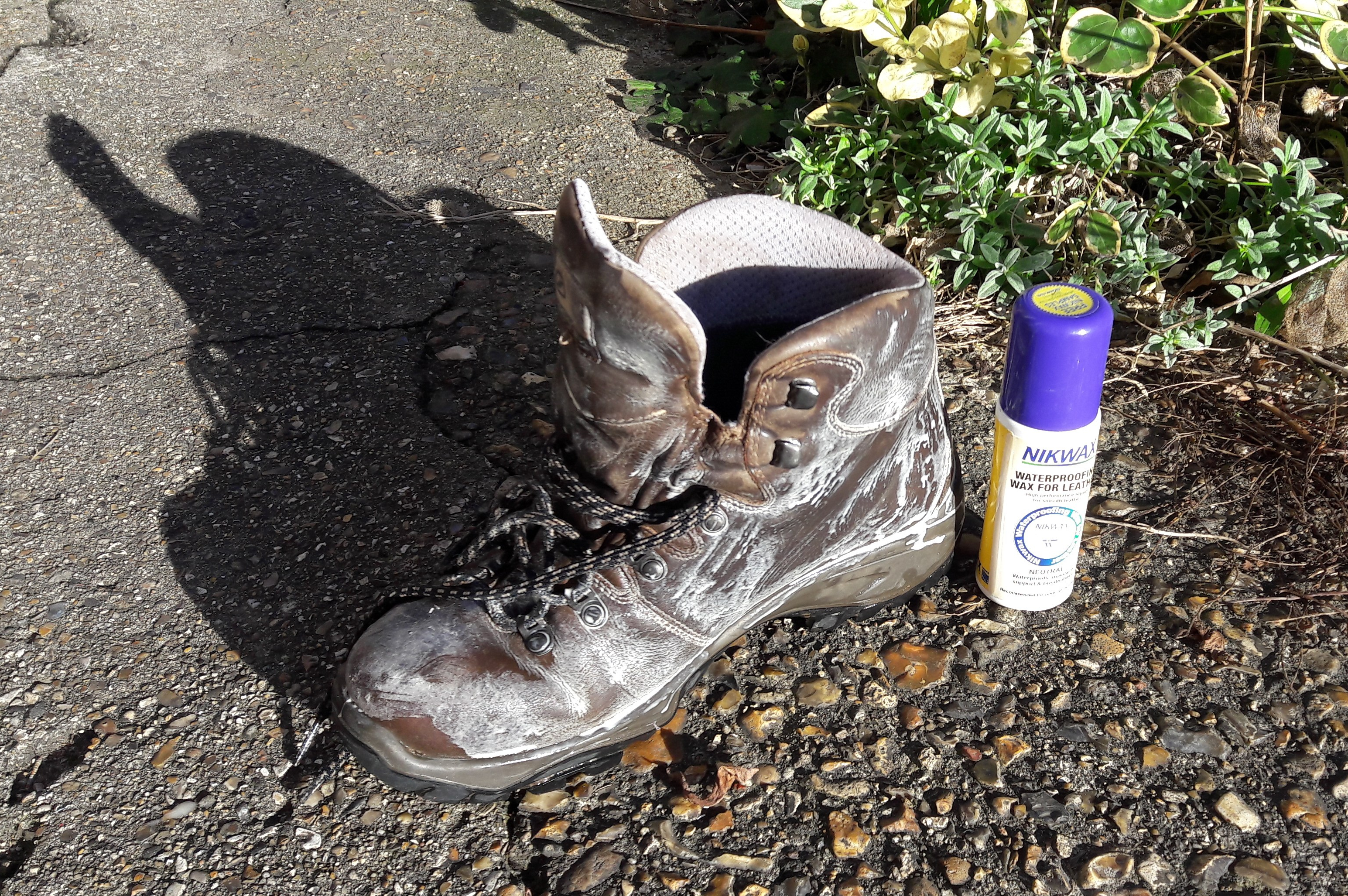 Waterproofing leather boot